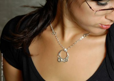 inDpendant 2009 Silver bubbles pendant with Silver chain