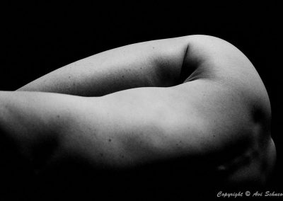 © Avi Schneor - Body bw2