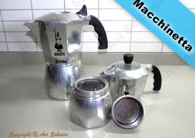 דוגמא למכשירי מקינטה Stovetop coffee maker