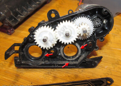 8xx dirt on CHM gearbox cover